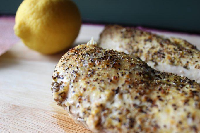 Super Easy Lemon Chicken | EverydayMadeFresh.com