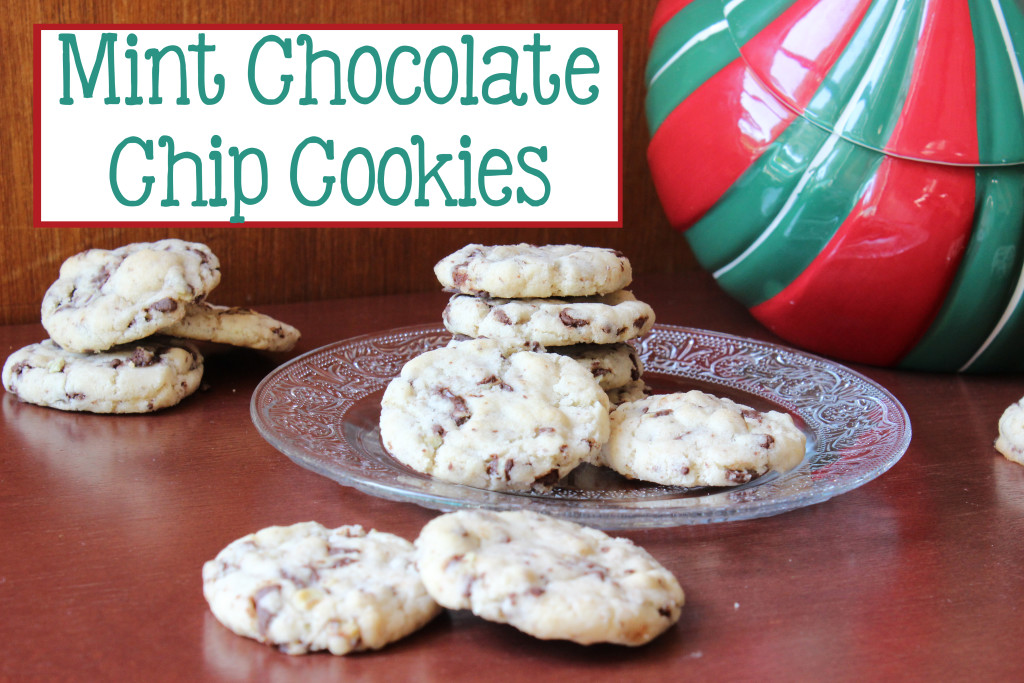 Mint Chocolate Chip Cookies | EverydayMadeFresh.com