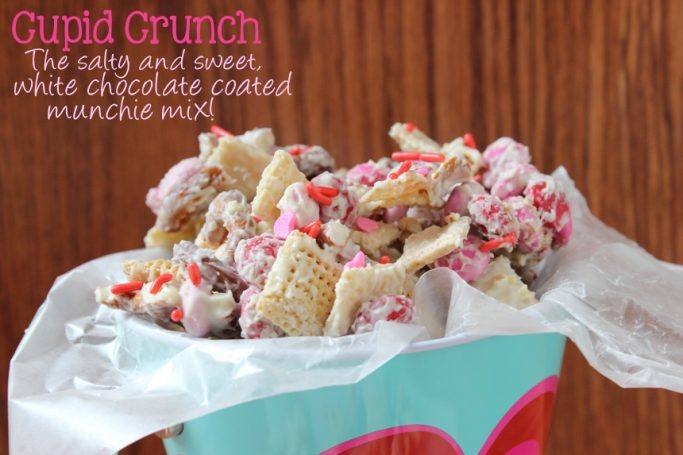 Cupid Crunch, the white chocolate coated cereal pretzel mix that is perfect for Valentine's Day. It brings salty and sweet to a whole new level! | EverydayMadeFresh.com