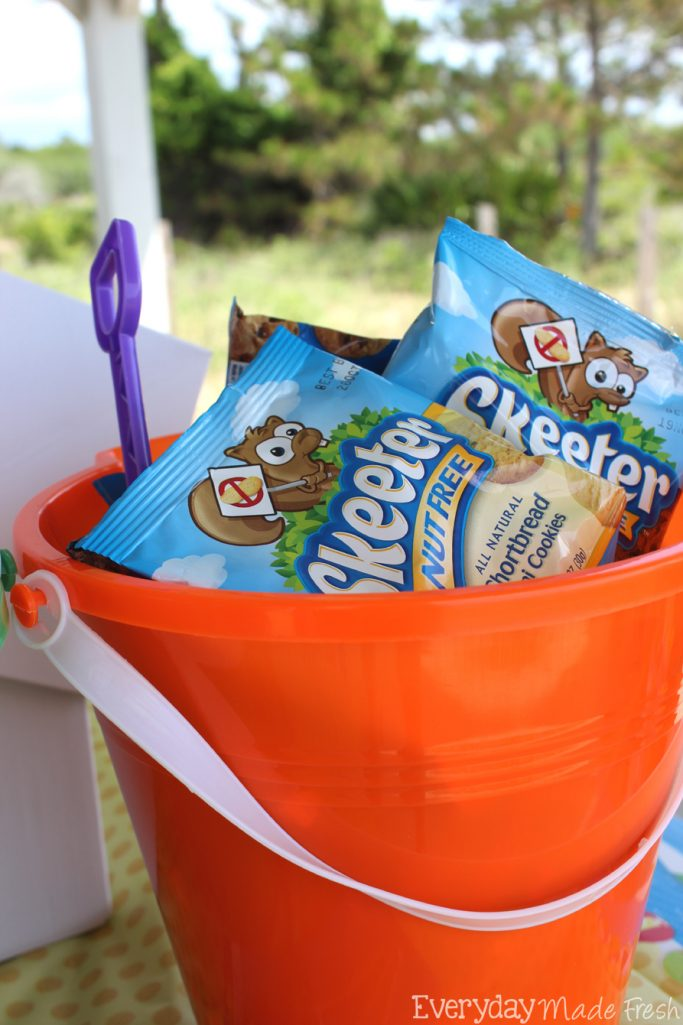 Skeeter Nut Free snacks are the tastiest nut free snack we've tried! The kids will love their taste and the fun packaging. @SkeeterNutFree #SkeeterNutFree #FoodAllergyMonth #spon | EverydayMadeFresh.com