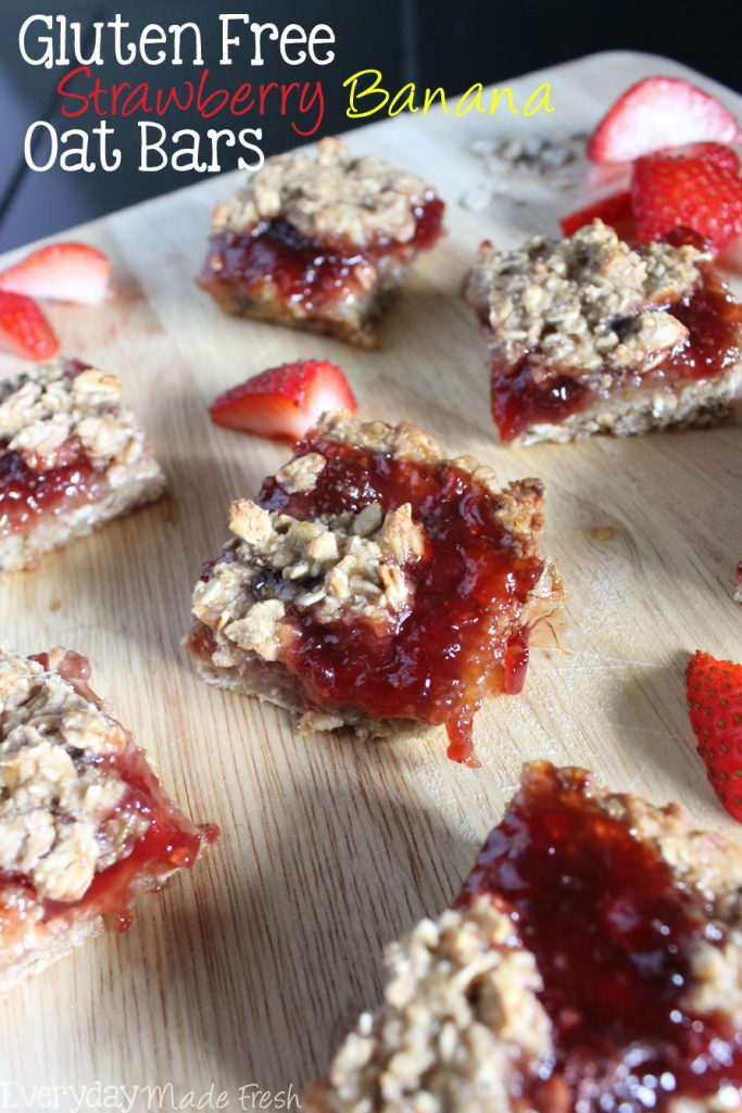 Sweet and delectable! These Gluten Free Strawberry Banana Oat Bars are the perfect breakfast or after school treat!  | EverydayMadeFresh.com