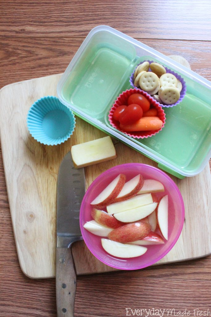 Cut out the prepackaged lunches, and Build Your Own Lunch for Teens, with ingredients you can feel good about! #HorizonLunch #ad | EverydayMadeFresh.com