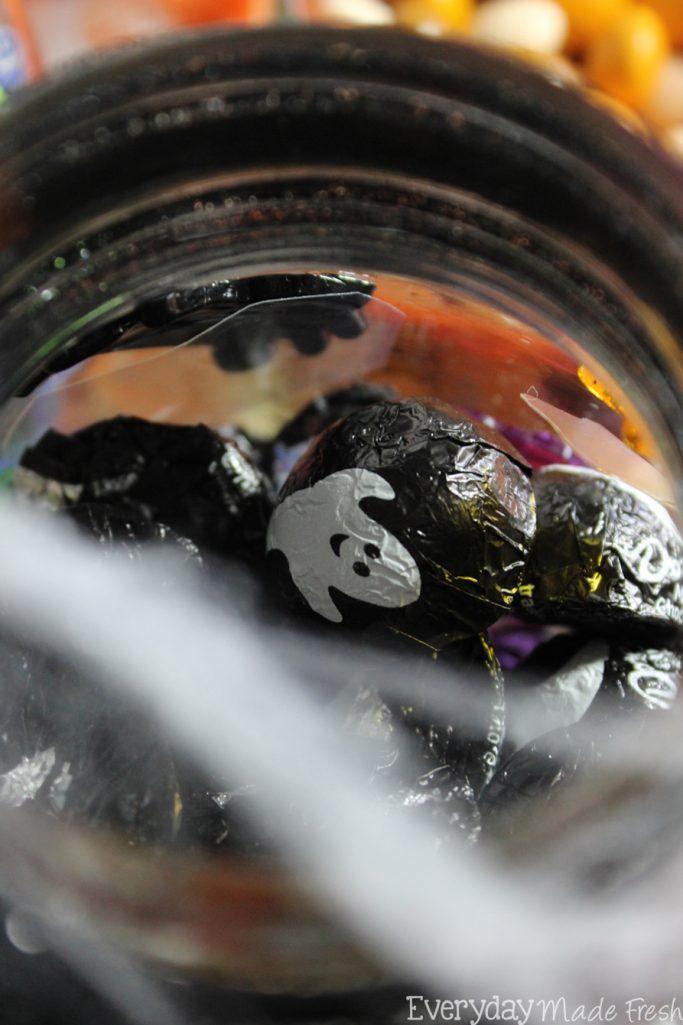 Simple Halloween Candy Jars #SpookyTreats #ad   EverydayMadeFresh.com