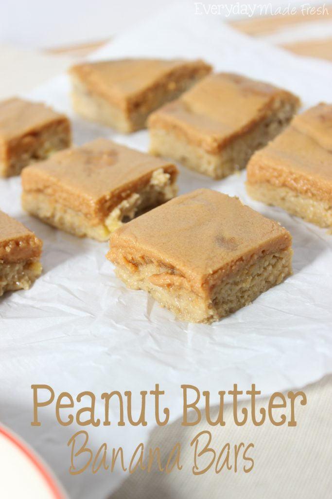 Peanut butter and banana remind me of my favorite childhood snack. These super easy Peanut Butter Banana Bars are going to become your favorite snack!   EverydayMadeFresh.com