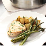Need a quick and easy dinner recipe? One that has meat, vegetable, and starch? This Lemon Chicken & Vegetable Skillet is the answer!   EverydayMadeFresh.com