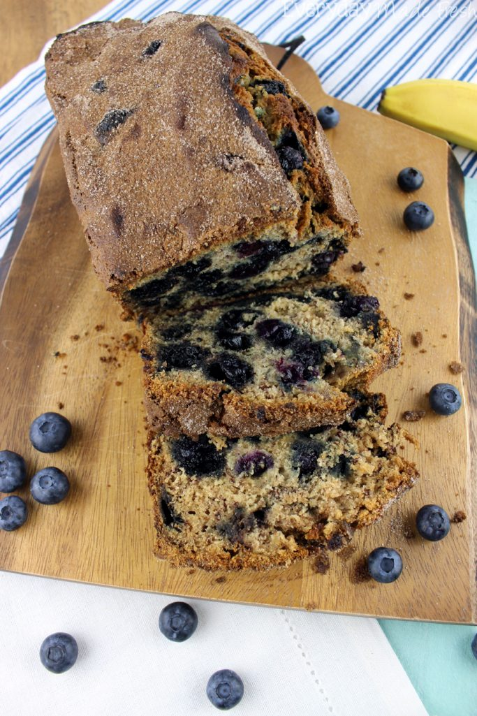 Banana bread just got an upgrade with fresh plump blueberries and a touch of cinnamon! This Blueberry Banana Bread is perfect for breakfast and snack time!   EverydayMadeFresh.com