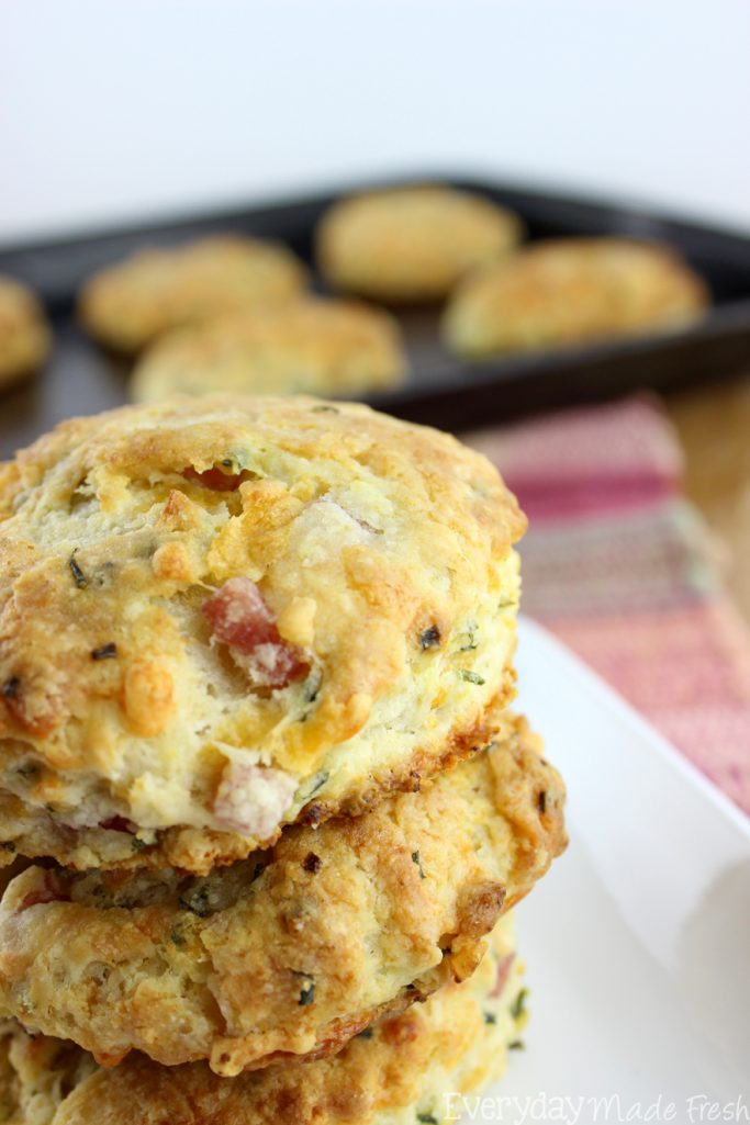 Who doesn't love a fluffy homemade buttermilk biscuit? Ok, so who wants a simple to make fluffy homemade buttermilk biscuit with chunks of ham and cheese? These Ham and Cheese Biscuits are everything you'd ever want in a biscuit!   EverydayMadeFresh.com
