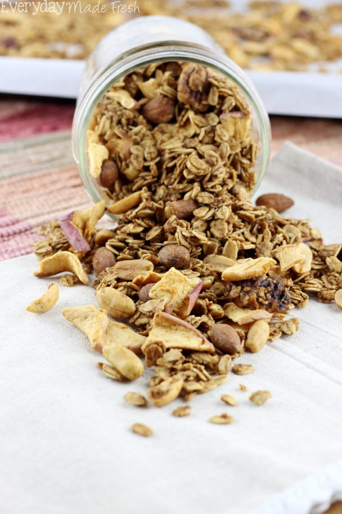 Sweetened with maple Syrup, and featuring warm cinnamon, nutmeg, and clove, this will a favorite.Enjoy all the flavors of apple pie in this easy to make Apple Pie Granola! | EverydayMadeFresh.com