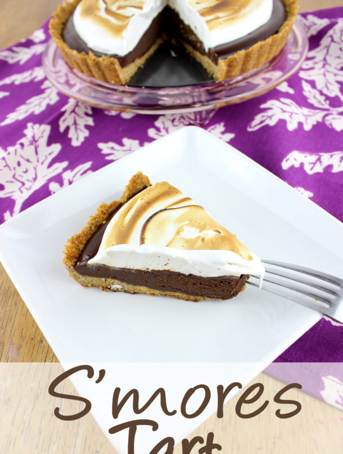 Enjoy the flavors of s'mores year round, and without a camp fire with this rich and decadent S'mores Tart. | EverydayMadeFresh.com