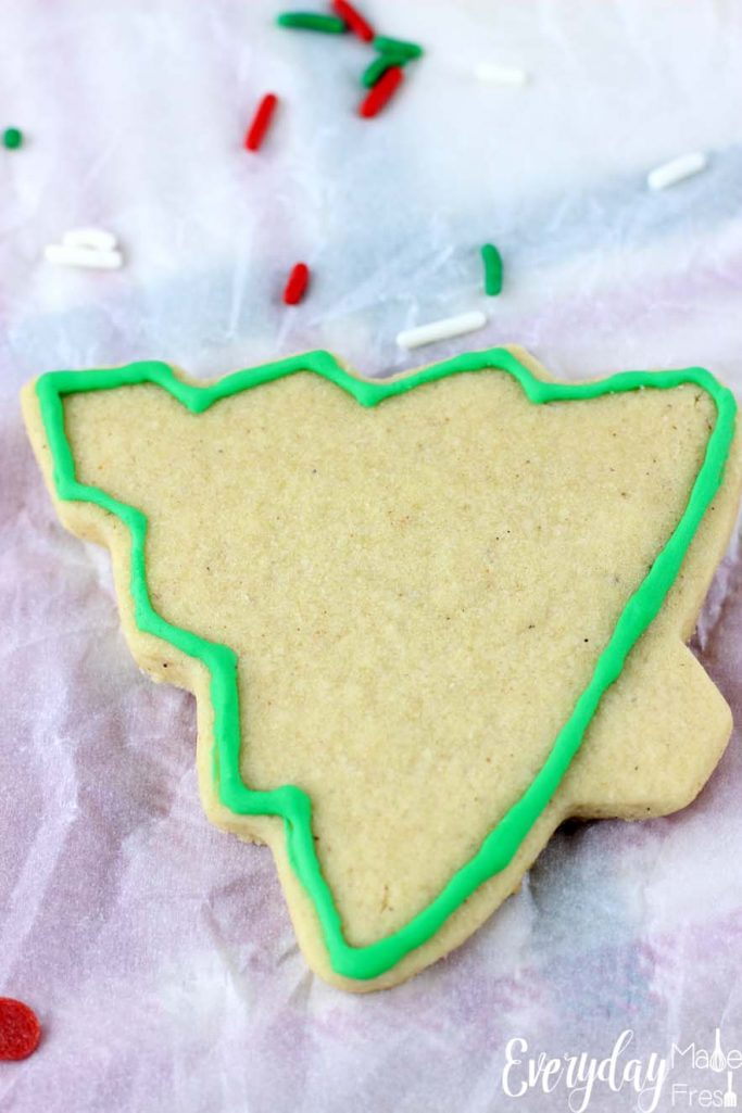 A dash of cinnamon and vanilla bean paste make these Cinnamon Vanilla Bean Sugar Cookies perfect. Well that, and that this a no chill sugar cookie dough!