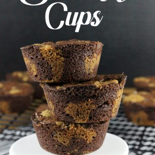 Craving a brownie and a chocolate chip cookie, but can't decide which one you want? No worries! These Brookie Cups are the best of both worlds!  | EverydayMadeFresh.com