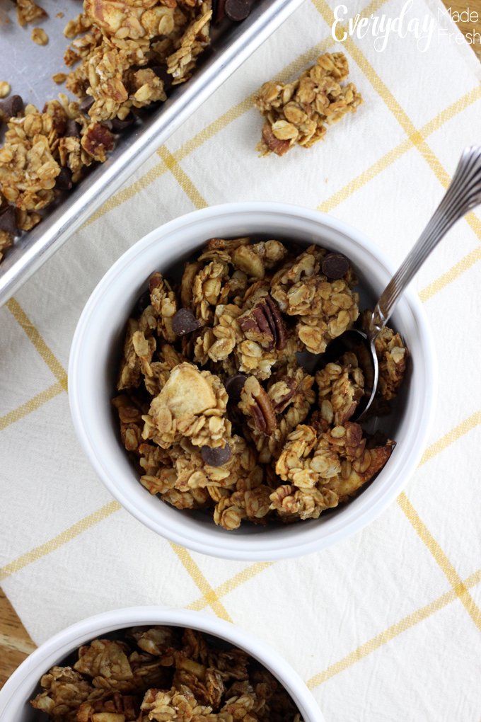 This 3o minute Banana Bread Granola is healthier than any store bought brand, and is super simple to make! | EverydayMadeFresh.com