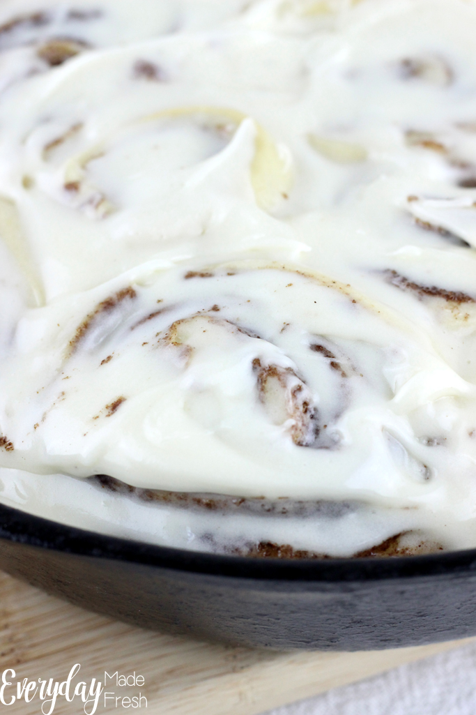 Quick & Easy No Rise Cinnamon Rolls need no introduction, and this will be your favorite recipe of this breakfast favorite. These cinnamon rolls are topped with a thick vanilla cream cheese icing that isn't too sweet. | EverydayMadeFresh.com