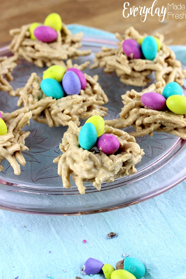 These No Bake Bird Nest Cookies are made with only 4 ingredients! They are simple to make and kids love them. | EverydayMadeFresh.com