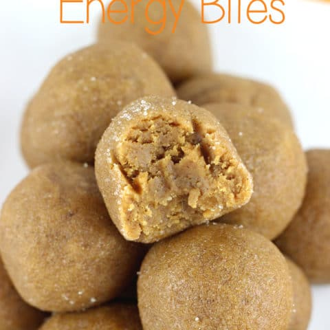These easy no bake gluten free Pumpkin Spice Energy Bites are made with just 4 ingredients and ready in no time! Soft and chewy that taste like pumpkin pie! | EverydayMadeFresh.com