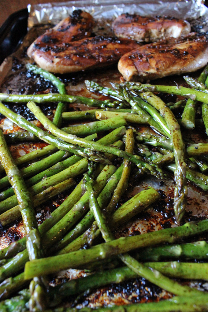 Slightly tangy and sweet hints from the balsamic vinegar with fresh garlic, chicken baked to perfection, with a roasted asparagus in one pan that makes this One Pan Balsamic Chicken and Asparagus dish that is a family pleaser. | EverydayMadeFresh.com