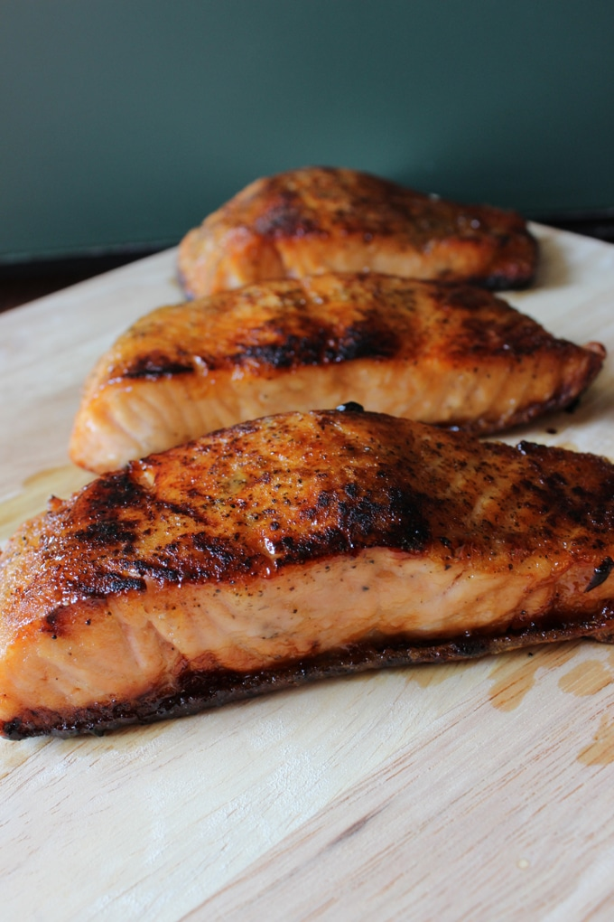 Simple Honey Glazed Salmon is sweet and spicy and oh so easy to make! | EverydayMadeFresh.com