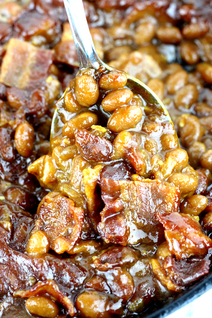 These are The Best BBQ Baked Beans with Bacon! They are a crowd pleaser, perfect for any potluck, summer dinner or BBQ. And, you only need 5 minutes to prep!  | EverydayMadeFresh.com
