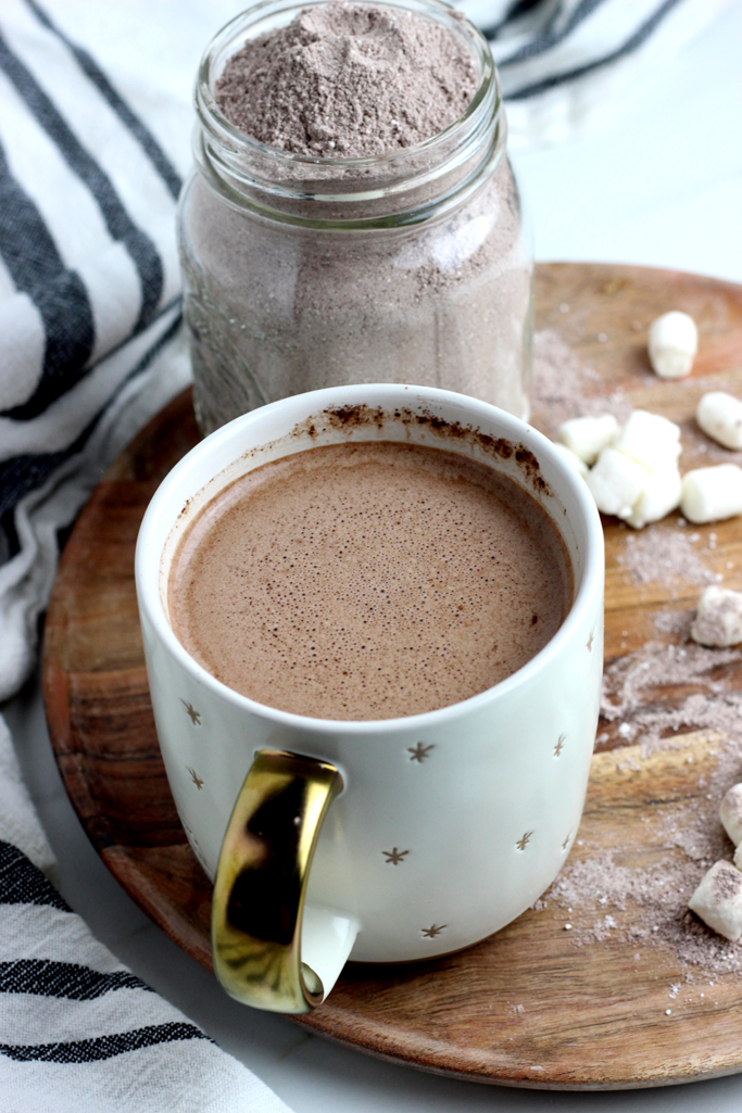 This Easy Homemade Hot Cocoa Mix uses 4 simple ingredients that you can toss together and enjoy all season long! Nothing beats a cup of homemade hot cocoa.